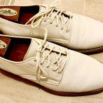 英国紳士のカジュアル靴 〝ホワイトバックス〟